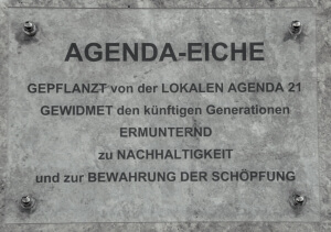 wir_agendaeiche_schild.jpg (90692 Byte)